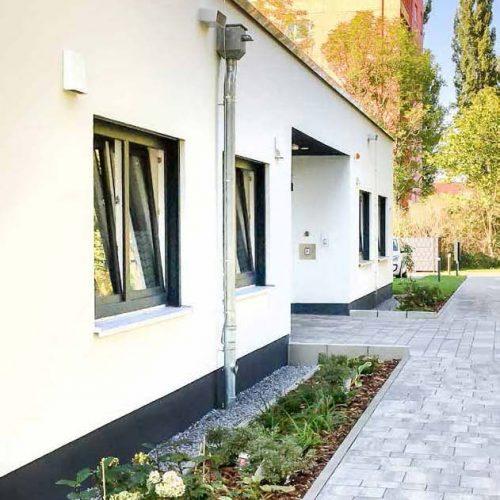 Eingangsbereich Beatmungszentrum, besondere Form, Pflegeimmobilien