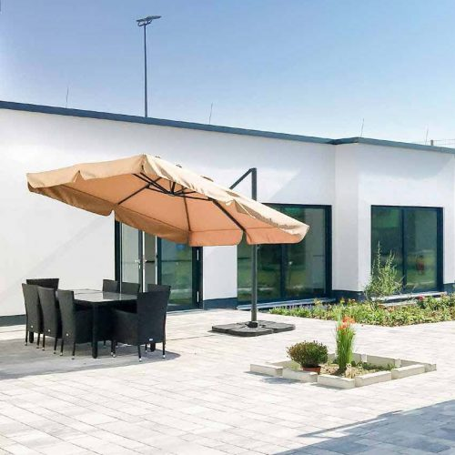 Intensivpfelge, Beatmung, Pflegeimmobilien, helle und freundliche Terrassenansicht, Pflegeimmobilien