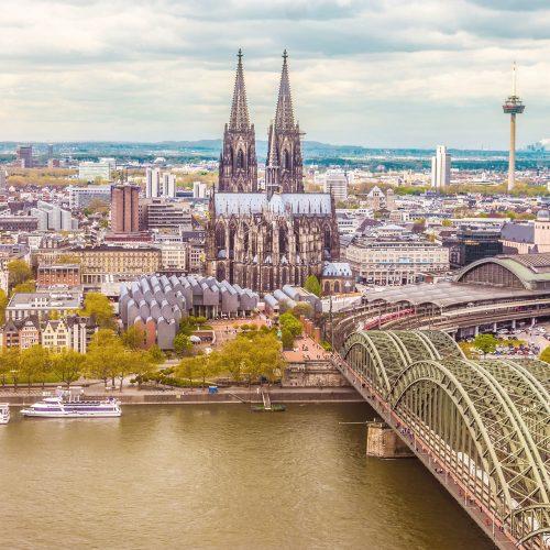 wunderbares Köln, Dom, Seniorenheim und Wohnpark Hürth, Pflegeimmobilien